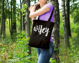 wifeytote